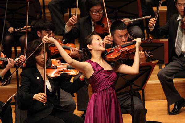 Senior Finals_Ji Eun Anna Lee menuhin competition