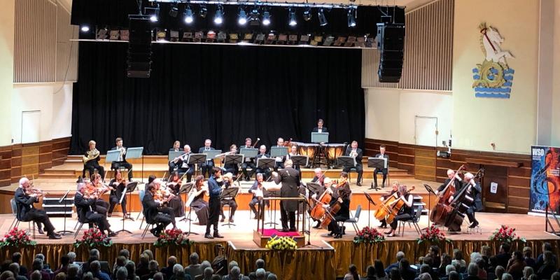 Johan Dalene and Worthing Symphony